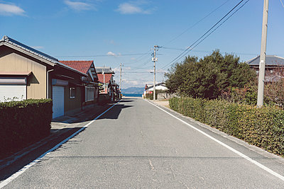 Street to the sea - p798m894102 by Florian Löbermann