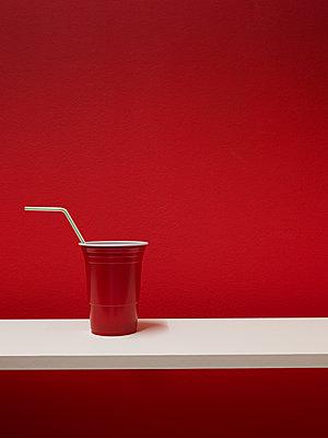 Plastikbecher - p1052m1124531 von Wolfgang Ludwig