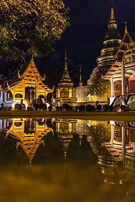 Wat Prasing, Famous temple in Chiang Mai, Thailand. - p1166m2095539 by Cavan Images