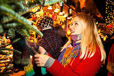 Weihnachtsmarkt - p904m749009 von Stefanie Päffgen