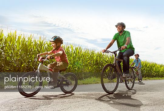 Radtour - p608m1165239 von Jens Nieth