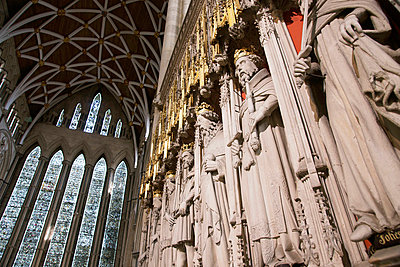 Statues of English Kings who supervised construction of York Minster - p644m728417 by Marc Jackson