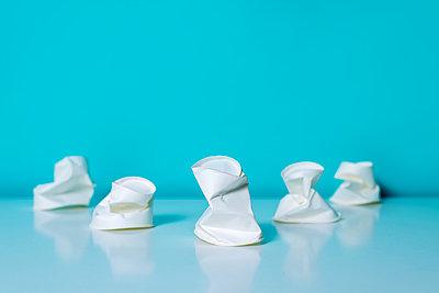 Crumpled plastic cups - p1423m2063289 by JUAN MOYANO