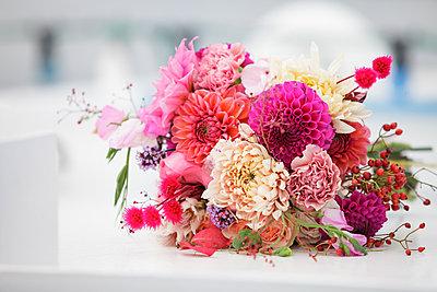 Bunter Blumenstrauß, Nahaufnahme - p1685m2272479 von Joy Kröger