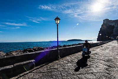 Promenade - p488m1446367 von Bias