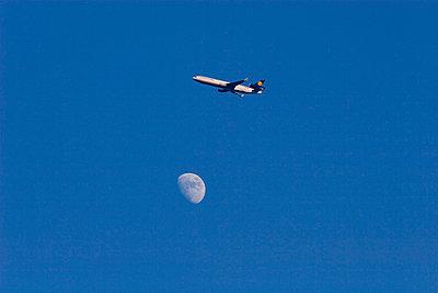 Mondflug - p4170108 von Pat Meise