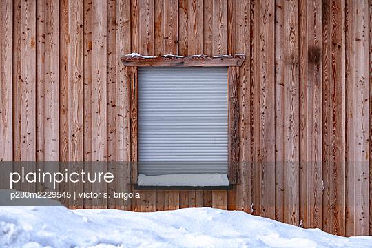 Closed - p280m2229545 by victor s. brigola