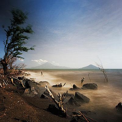 Momotombo, Vulkan, Nicaragua - p844m880794 von Markus Renner