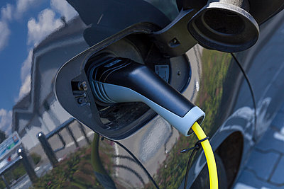 Charging of an electric car - p300m2024072 by Tom Chance