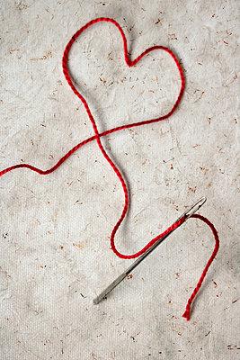Red thread - p450m2027919 by Hanka Steidle
