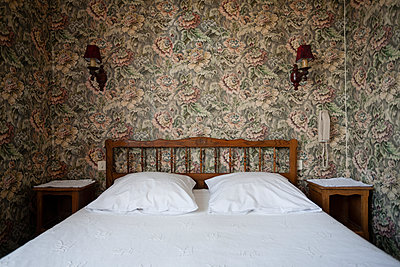 Bedroom - p590m1511495 by Philippe Dureuil