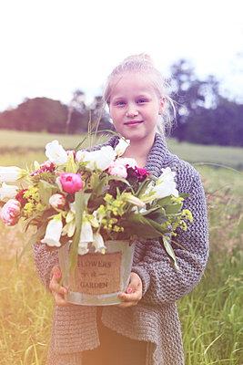 Frühlings-Botin - p045m1051603 von Jasmin Sander