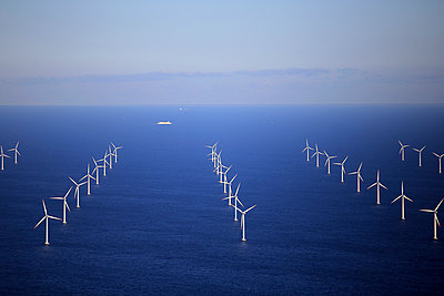 Wind farm Rødsand - p1016m987711 by Jochen Knobloch