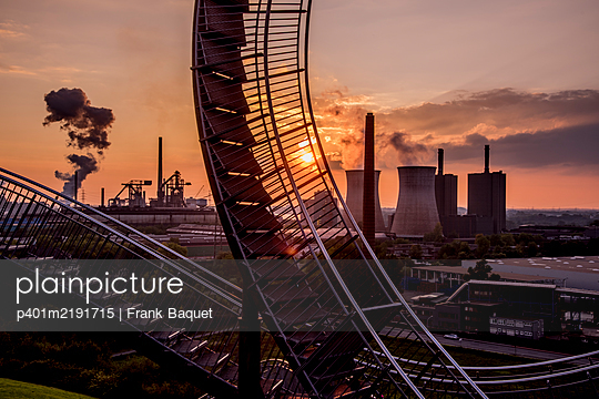 Tiger & Turtle Magic Mountain Duisburg - p401m2191715 by Frank Baquet
