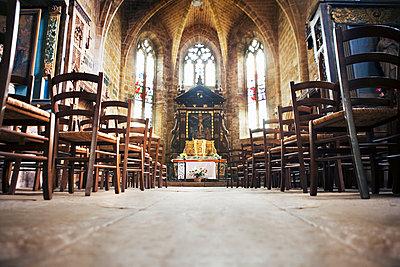 ThInside the Abbey church in Beaulieu-sur-Dordogne, France - p1084m1036801 by GUSK