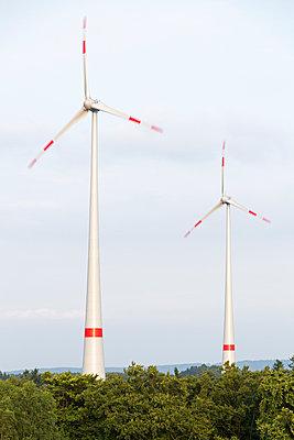 Windkraftanlage Kemel, Tausnuskamm, Rheingau Taunus Kreis - p718m892117 von Arne Landwehr