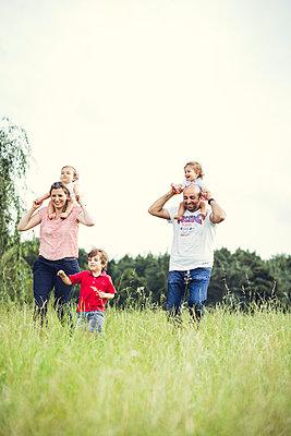 Familienausflug - p904m1065012 von Stefanie Päffgen