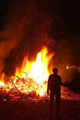 Bonfire - p1019m2141655 by Stephen Carroll