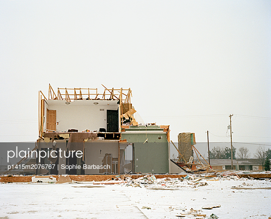 Tornado House - p1415m2076767 by Sophie Barbasch