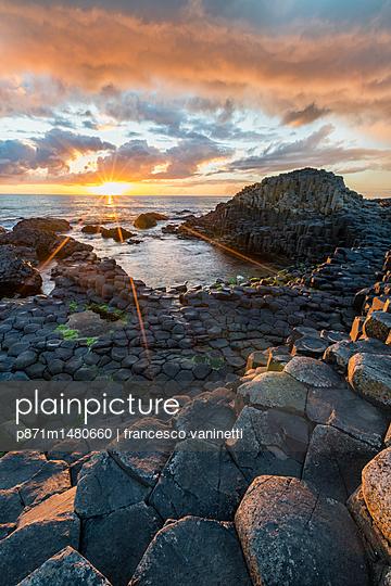 Giants Causeway at sunset, UNESCO World Heritage Site, County Antrim, Ulster, Northern Ireland, United Kingdom, Europe - p871m1480660 by francesco vaninetti