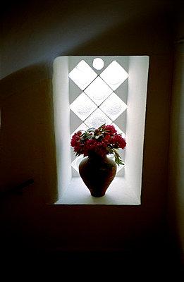Vase - p927m668389 by Florence Delahaye