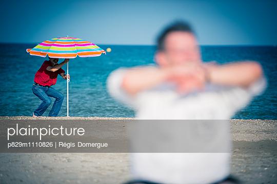 Strandurlaub - p829m1110826 von Régis Domergue