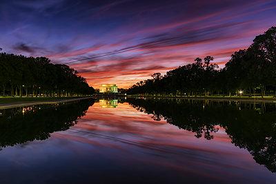 USA, Washington DC, view to Lincoln Memorial at sunset - p300m1205818 by Scott Masterton