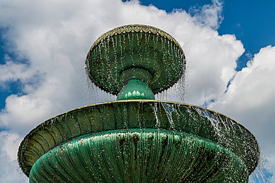 Fountain - p867m1044854 by Thomas Degen