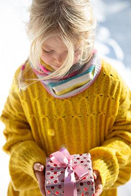 Receiving a gift - p454m2209956 by Lubitz + Dorner