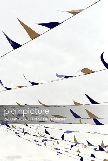 Decoration - p260m918276 by Frank Dan Hofacker