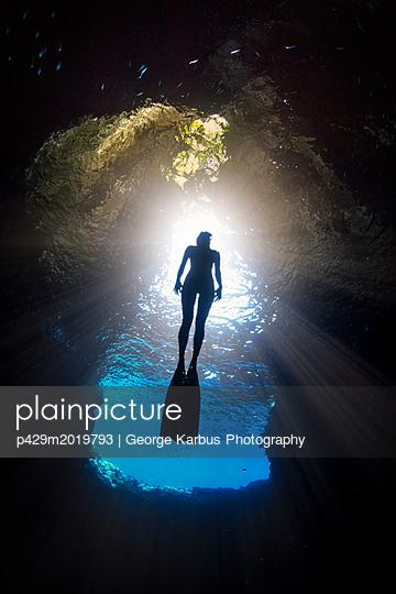 p429m2019793 von George Karbus Photography