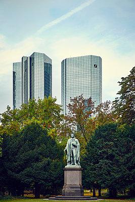 Germany, Frankfurt, Deutsche Bank - p851m2186169 by Lohfink