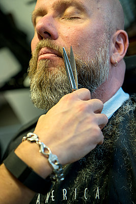 At the barber's - p427m1286521 by Ralf Mohr