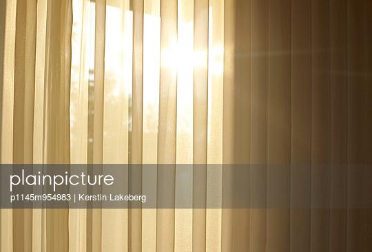 Curtain - p1145m954983 by Kerstin Lakeberg