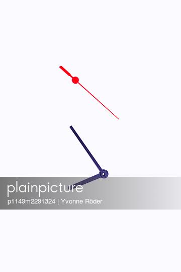 Watch hands - p1149m2291324 by Yvonne Röder