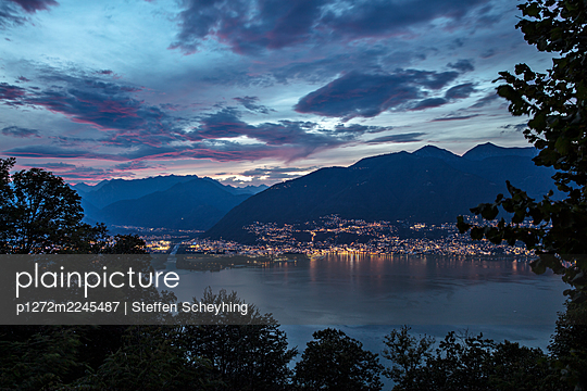 Lago Maggiore - p1272m2245487 von Steffen Scheyhing