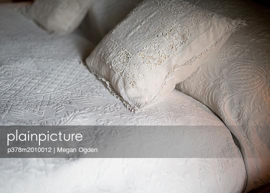 p378m2010012 von Megan Ogden