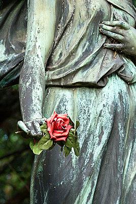 Friedhofsskulptur - p2230272 von Thomas Callsen