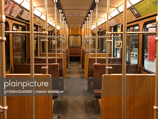 Empty subway - p1590m2245660 by marion blomeyer