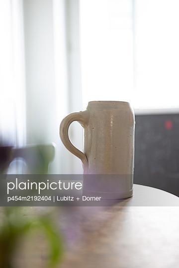 Drinking at home - p454m2192404 by Lubitz + Dorner