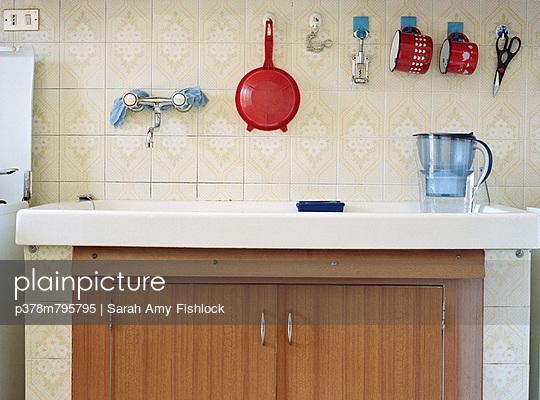 Retro kitchen sink - p378m795795 by Sarah Amy Fishlock
