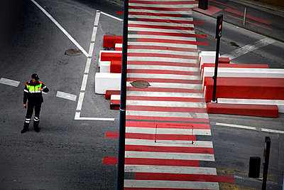 Lonely officer - p5340177 by Susanna Ferran Vila