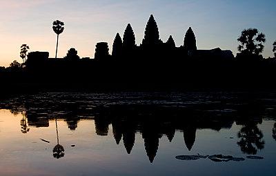 Siem Reap - Angkor Wat - p589m1091304 by Thierry Beauvir