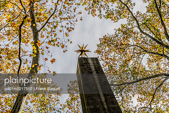 Grabmal Meladtenfriedhof Köln - p401m2217510 von Frank Baquet