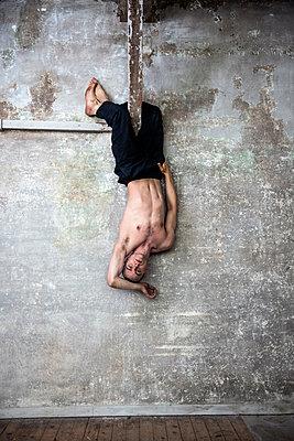 Dance theatre - p1139m2210698 by Julien Benhamou