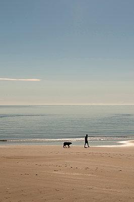 Strandspaziergang an der Golden Bay - p470m1556415 von Ingrid Michel