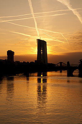 European Central Bank at sunrise - p470m2148482 by Ingrid Michel