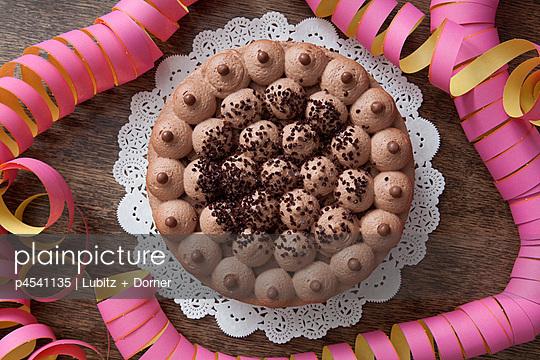 Birthday cake - p4541135 by Lubitz + Dorner