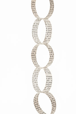 Paper chain - p971m2045468 by Reilika Landen