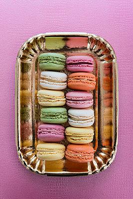 Macarons - p954m1065872 von Heidi Mayer